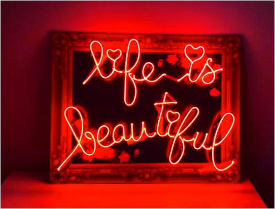 life is beautiful neon satın alın