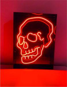 kuru kafa neon sinan neon tarafından özel üretilmiştir kuru kafa neon görseli satın alabilirsiniz